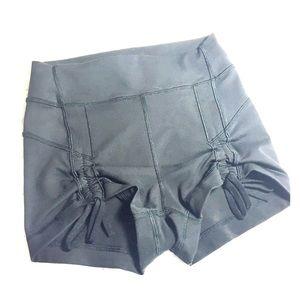 Lululemon Rare gathered front shorts 4 Black
